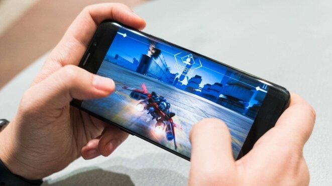 smrtphone mobile gaming